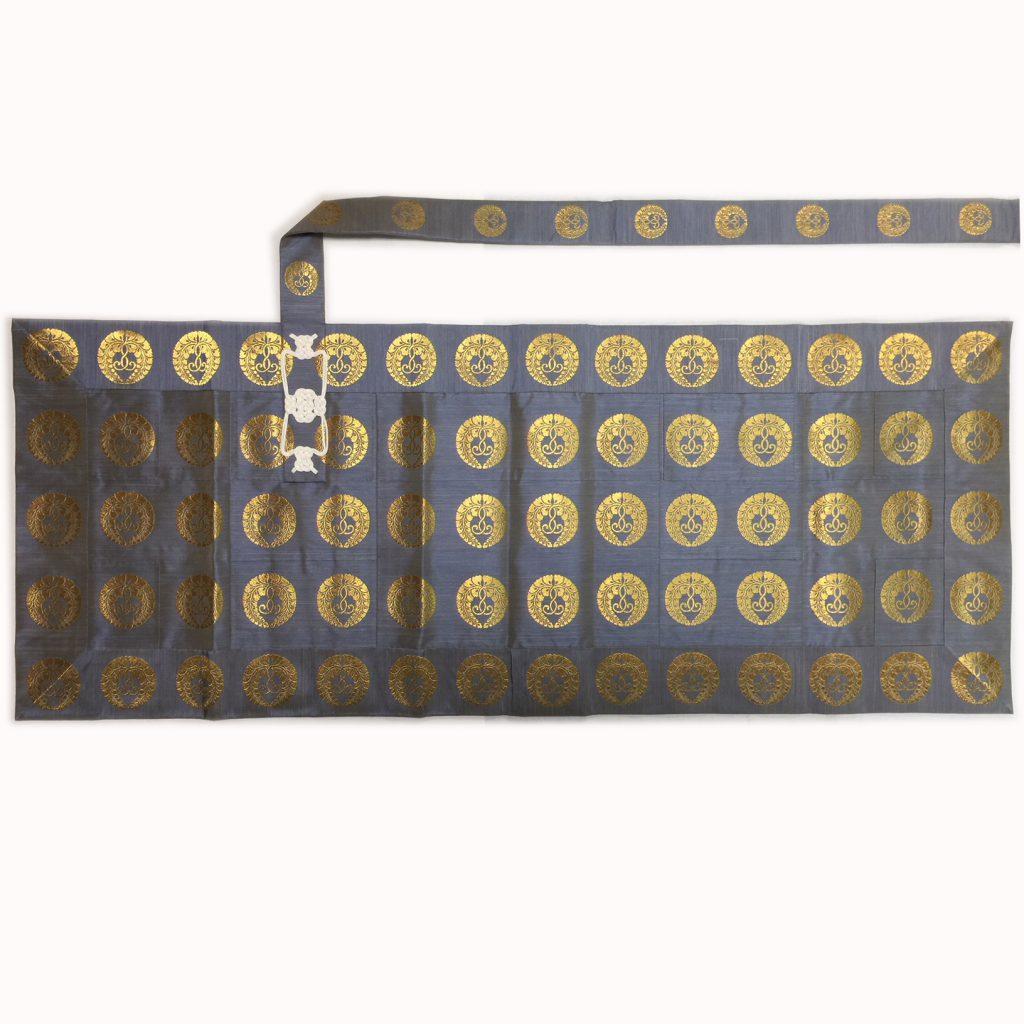 正絹 絣(かすり)渋浅黄色 下藤金紋 五条袈裟 108,000円
